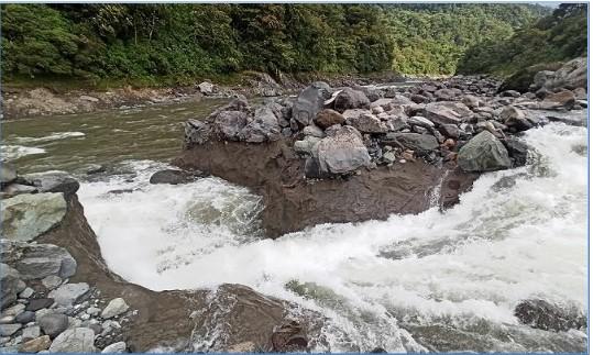 Las márgenes del río Malo ya son afectadas por el fenómeno natural de erosión regresiva. Imagen del 14 de junio de 2021.