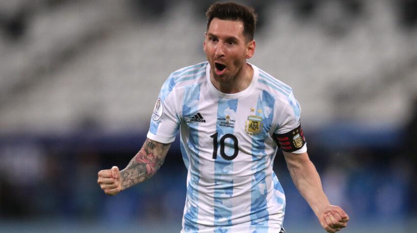 Lionel Messi celebra su gol con Argentina ante Chile, por la Copa América, el lunes 14 de junio de 2021, en Río de Janeiro.