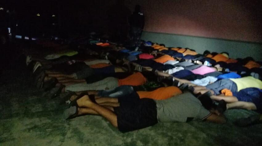 Imagen de los reos en la Penitenciaría del Litoral luego de los disturbios de la noche del 12 de junio de 2021.