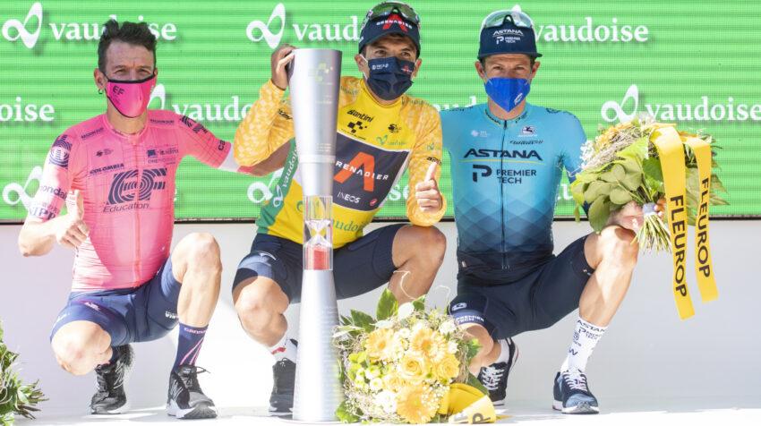 Richard Carapaz junto a Rigoberto Urán y Jakob Fuglsang, los tres primeros en el Tour de Suiza.