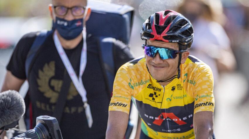 Richard Carapaz después de ganar el título en el Tour de Suiza, el domingo 13 de junio de 2021.
