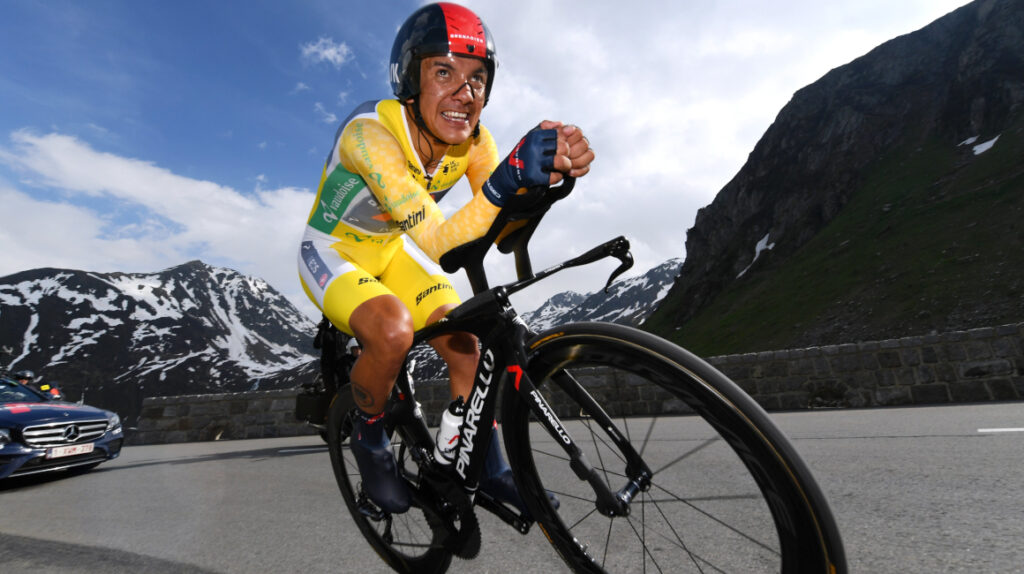 Rigo Urán gana la contrarreloj y Carapaz se mantiene como líder en Suiza