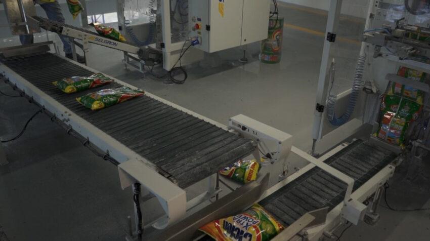 Detergentes en la nueva planta de producción de La Fabril, en Montecristi, en 2020.