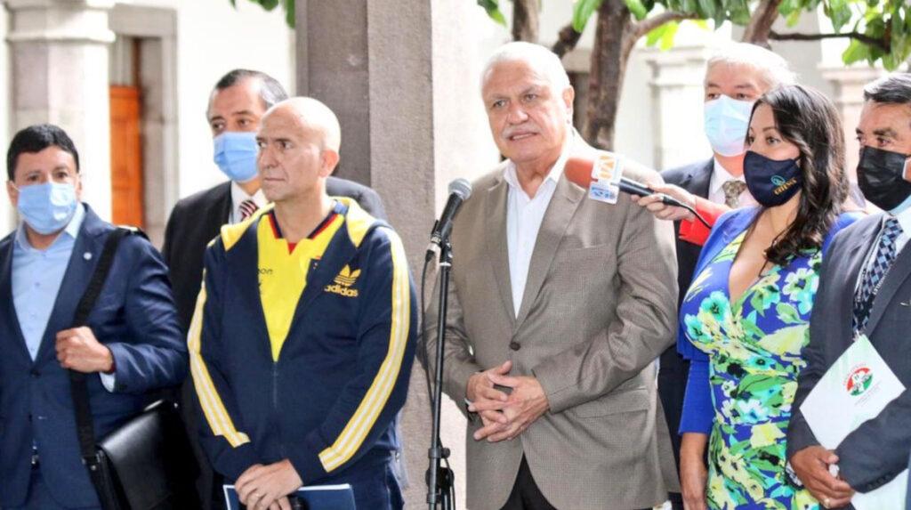 La autopista Quito-Guayaquil será una prioridad, según el ministro Cabrera