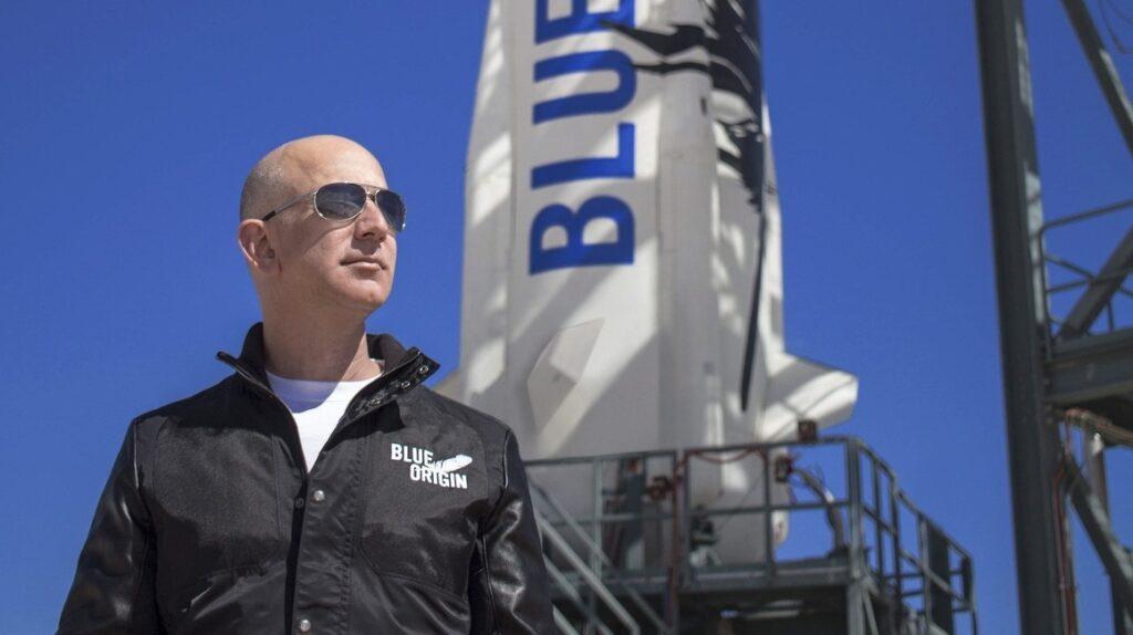 Jeff Bezos, otro multimillonario que prepara su primer vuelo espacial