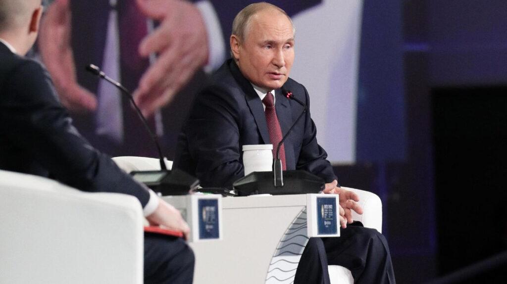 Putin abre las puertas al turismo de vacunas en Rusia