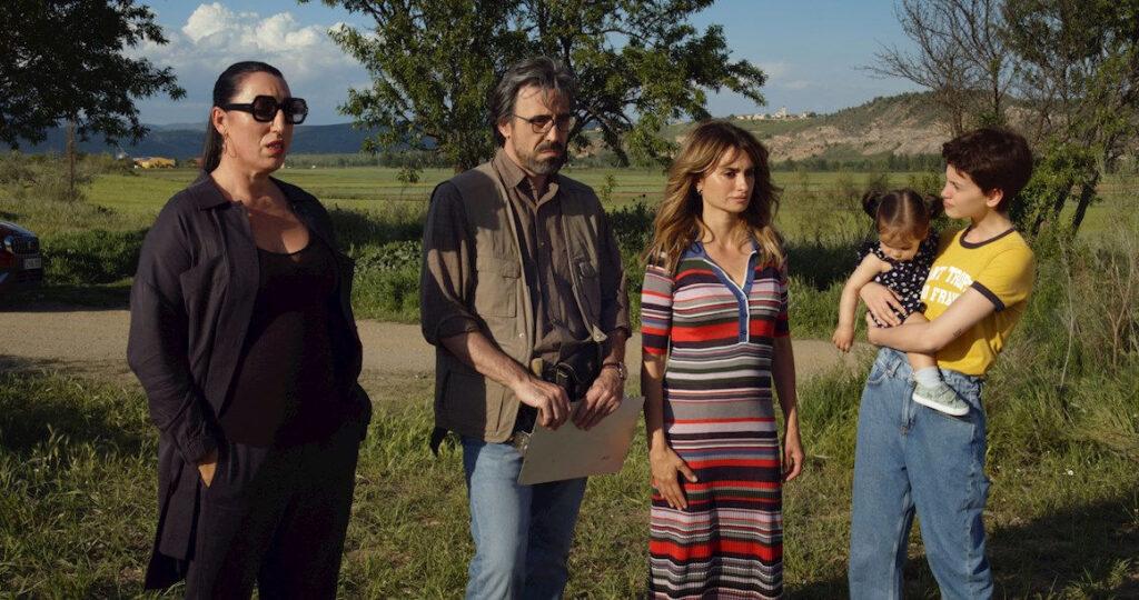Almodóvar termina el rodaje de su nuevo filme 'Madres paralelas'