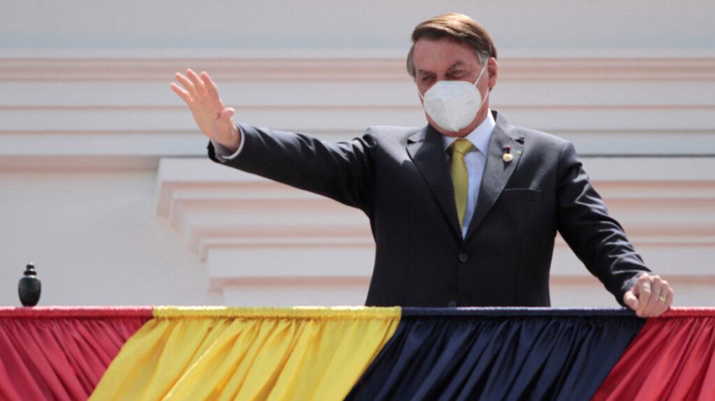 Bolsonaro dice que Brasil está de acuerdo en organizar la Copa América