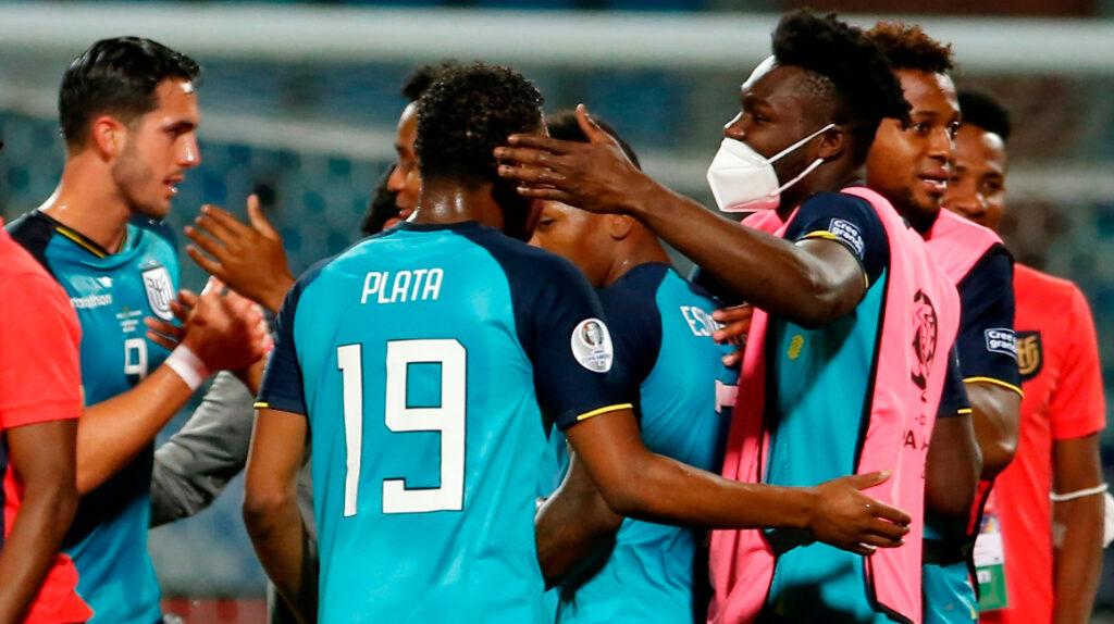 Ecuador busca una histórica clasificación a semifinales ante Argentina