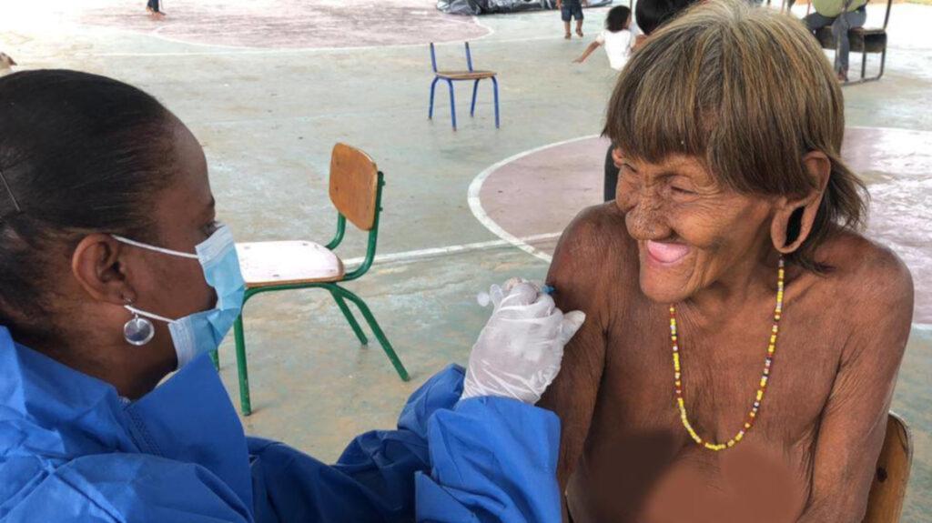 126 personas de la comunidad Waorani reciben la vacuna contra Covid-19