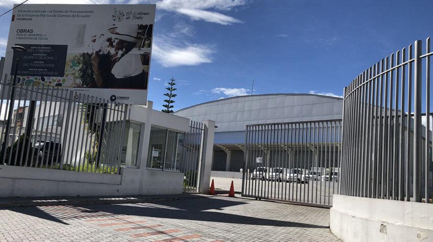 Oficinas del Centro Nacional de Clasificación de Correos del Ecuador, en Pomasqui.