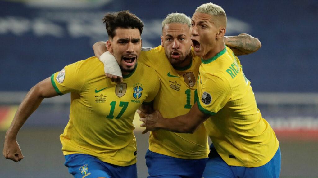 Brasil vence a Chile y enfrentará a Perú en la semifinal de la Copa