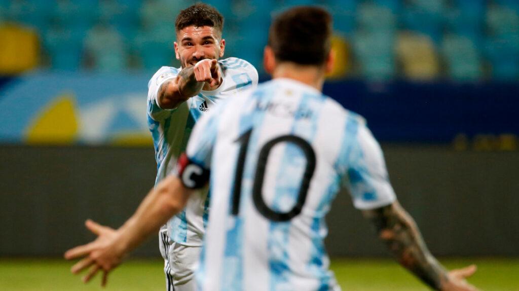 Argentina golea a Ecuador y enfrentará a Colombia en la semifinal