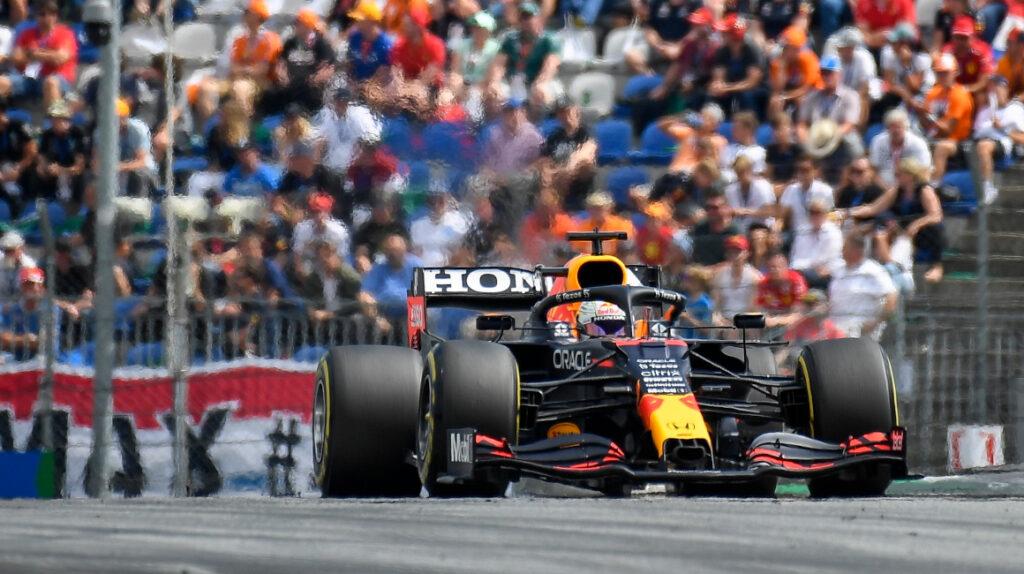 Verstappen gana el GP de Austria, Hamilton queda fuera del podio