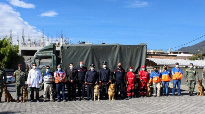 Inauguración del taller de adiestramiento de canes para detección de Covid-19 en Quito, el 24 de junio de 2021.