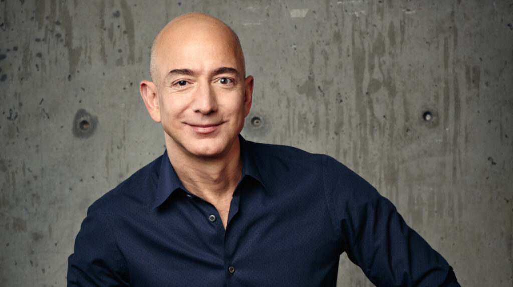 Jeff Bezos deja su cargo en Amazon, pero no se aleja de la firma