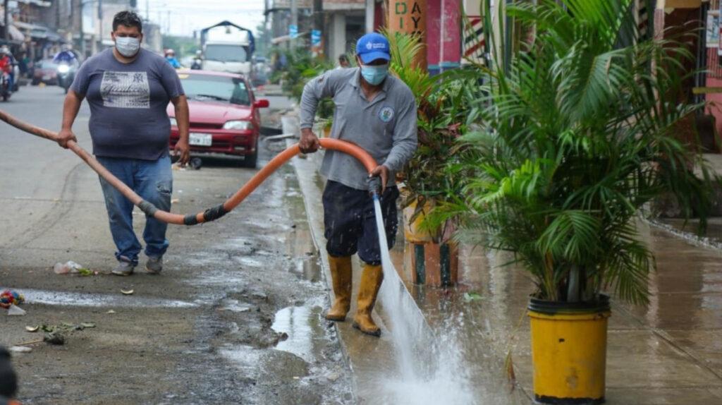 Ecuador pierde USD 320 millones al año por  fugas y robo de agua potable