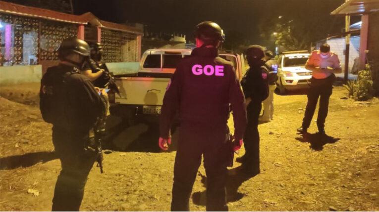 Agentes policiales realizaron operativos de búsqueda de los implicados en la balacera del 5 de julio de 2021, que dejó 4 muertos en Quevedo.