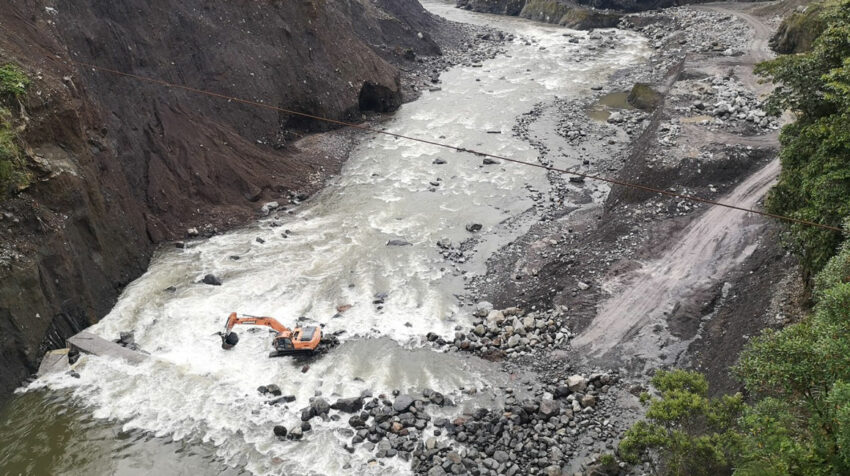 CELEC ha gastado USD 4 millones para mitigar los daños causados por la erosión en el río Coca.