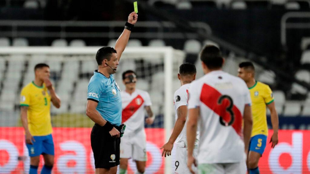 """Perú le envía carta a Conmebol por """"maltrato inaceptable"""" del árbitro Tobar"""