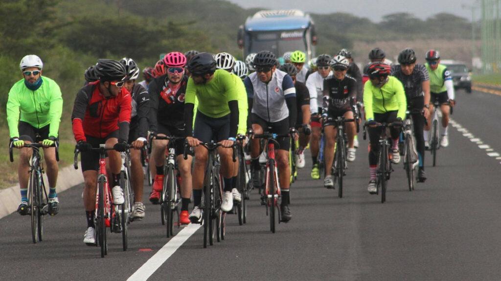 El Ironman 70.3 regresa a Manta con la participación de 1.200 atletas