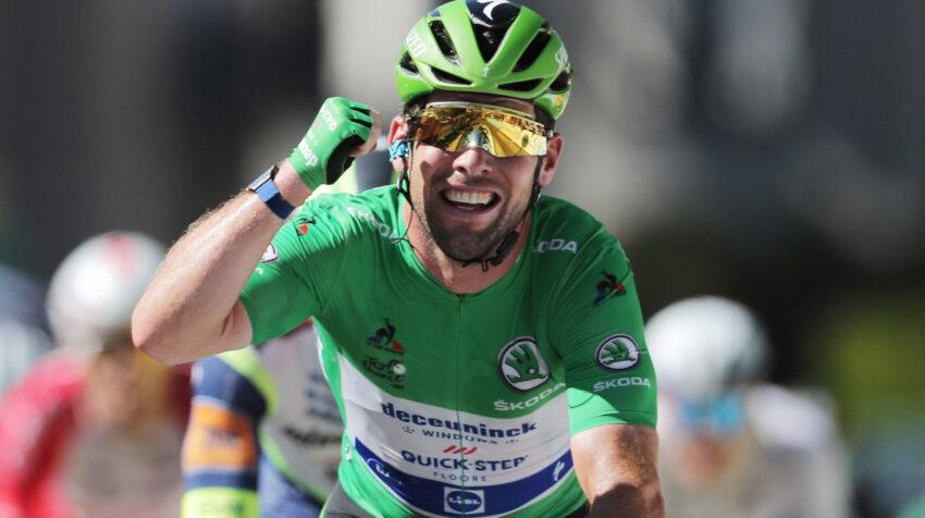 El británico Mark Cavendish festeja su victoria en la Etapa 13 del Tour de Francia, el viernes 9 de julio de 2021.