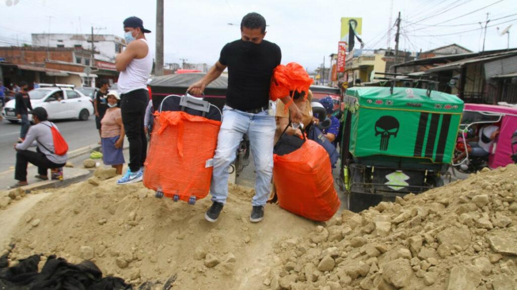 Cierre de vías en Guayas continúa por protesta de los arroceros