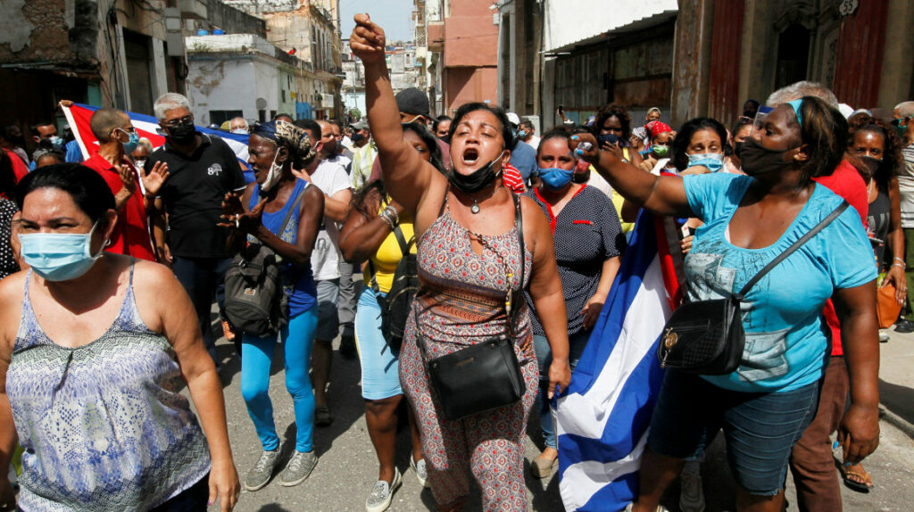Cuba: Gobierno no admite errores mientras crece apoyo a las protestas