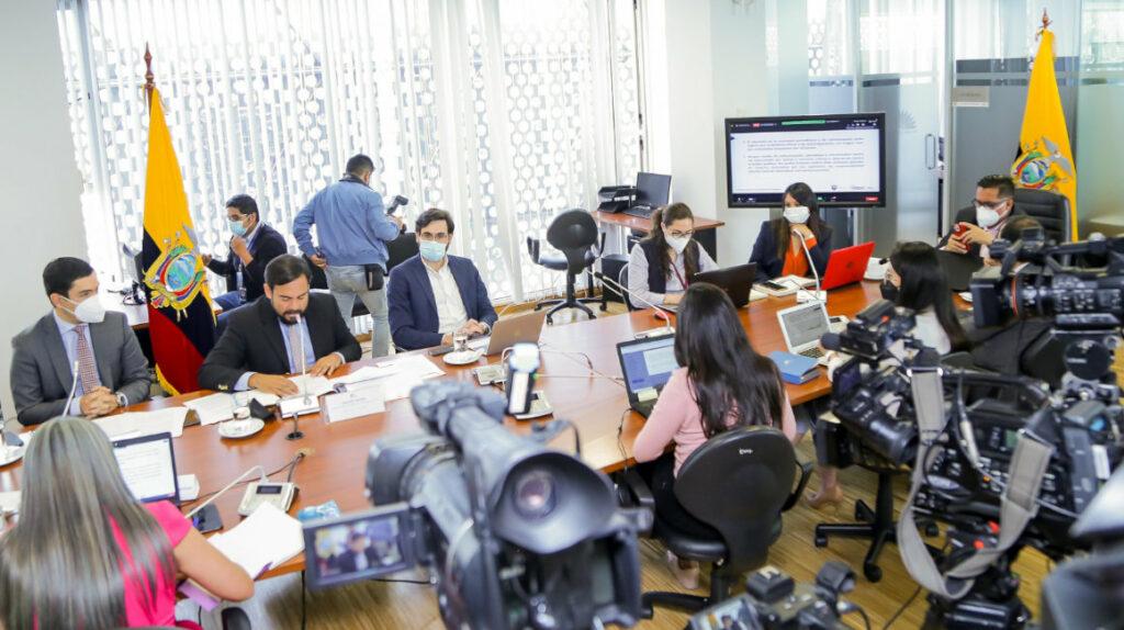 Las reformas prometidas por el Ejecutivo se demoran en diálogos previos
