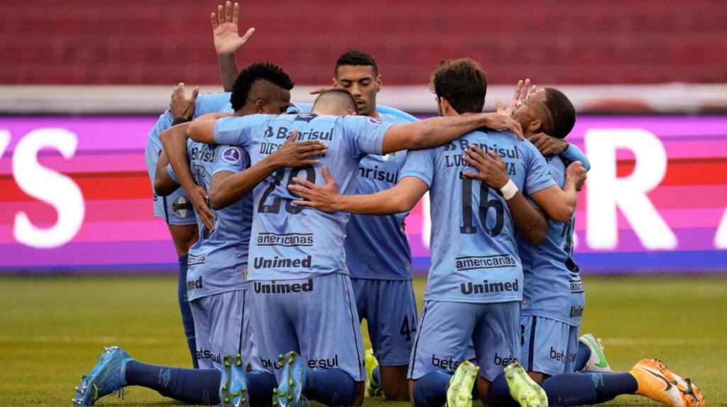 Gremio aprovecha un error defensivo de Liga y se lleva un triunfo de Quito