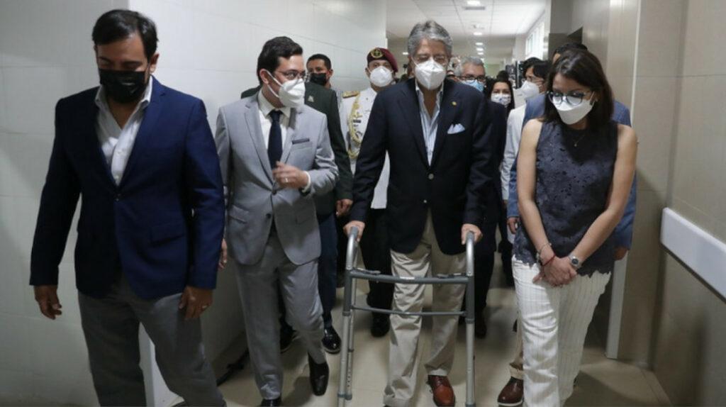 Presidente Lasso promete reactivar el Hospital de Portoviejo