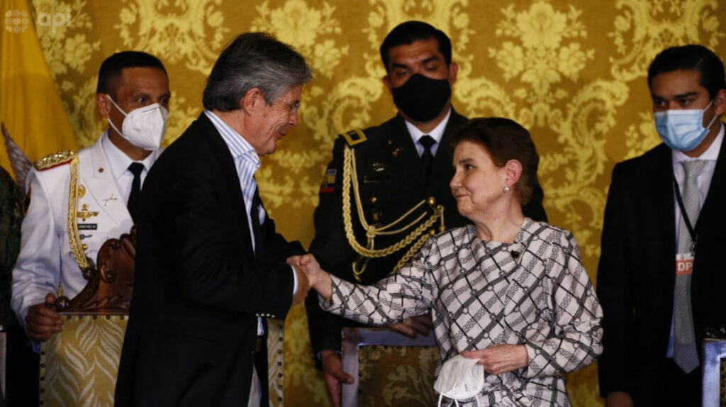 Alexandra Vela reemplaza a César Monge como ministra de Gobierno