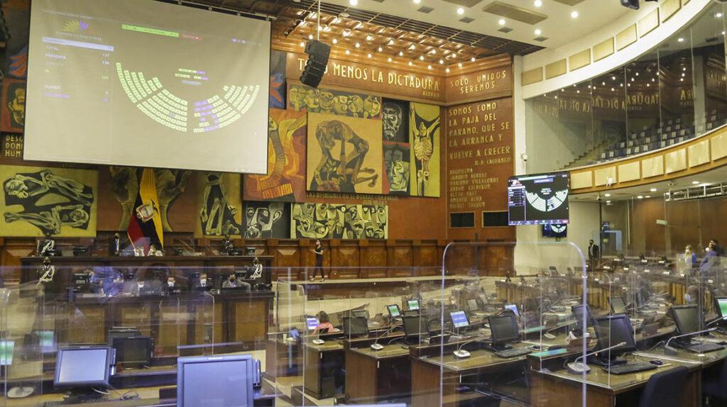 Tres asambleístas son los que más han faltado a las votaciones del Pleno