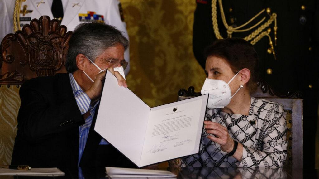 Alexandra Vela deja el retiro político para empujar el diálogo de Lasso