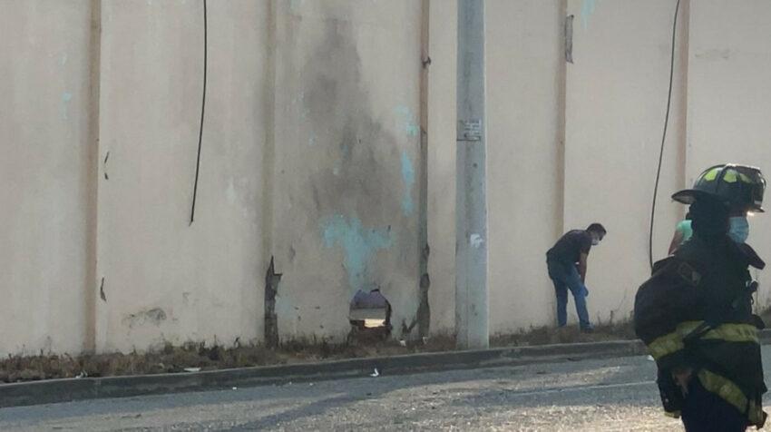 Un artefacto explotó en la pared de la cárcel de Machala, la tarde del 16 de julio de 2021.