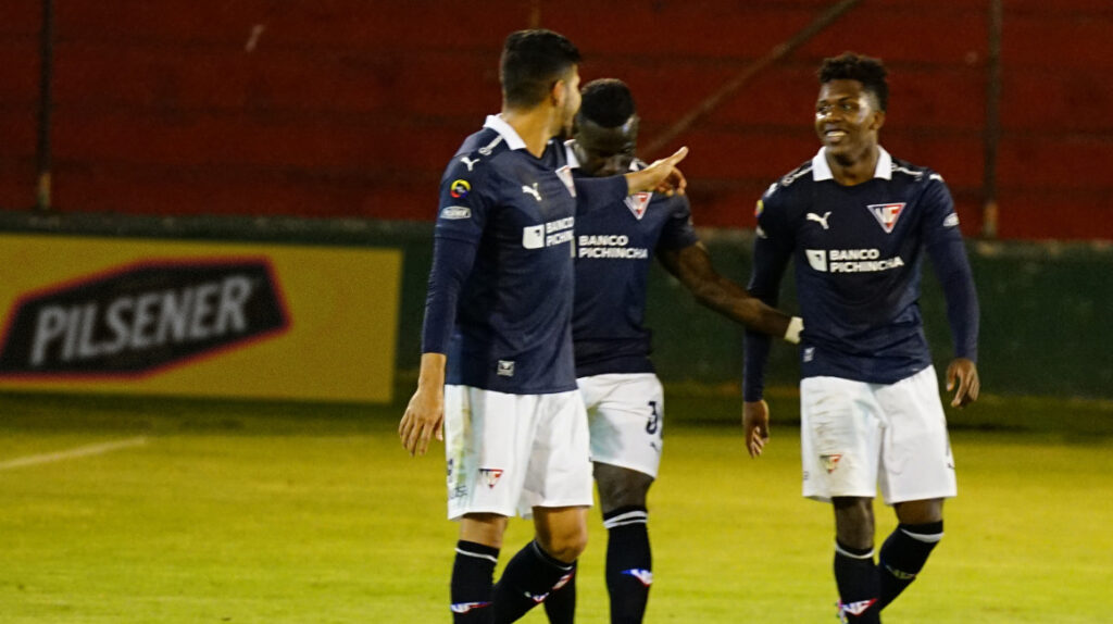 Djorkaeff Reasco le da el triunfo a Liga ante Técnico Universitario