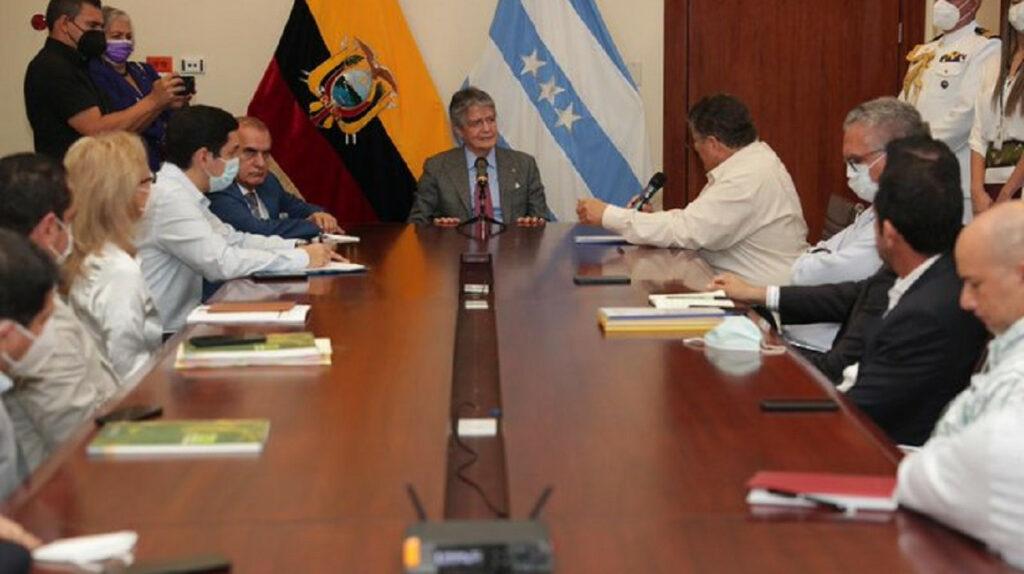 Gobierno de China, interesado en firmar TLC con Ecuador, asegura Lasso