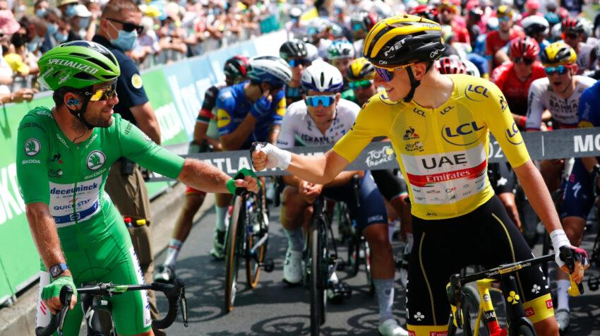 Mark Cavendish y Tadej Pogacar, en la Etapa 19 del Tour de Francia, el 16 de julio de 2021.