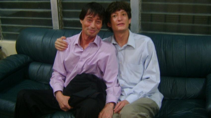 Jinsop y su hijo Alexander, quien lo acompañó hasta el último día de su vida.