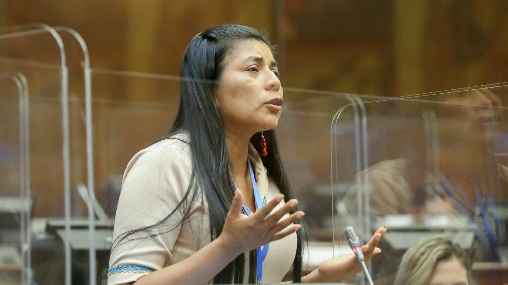 Asambleísta Rosa Cerda: ocho días de suspensión sin sueldo