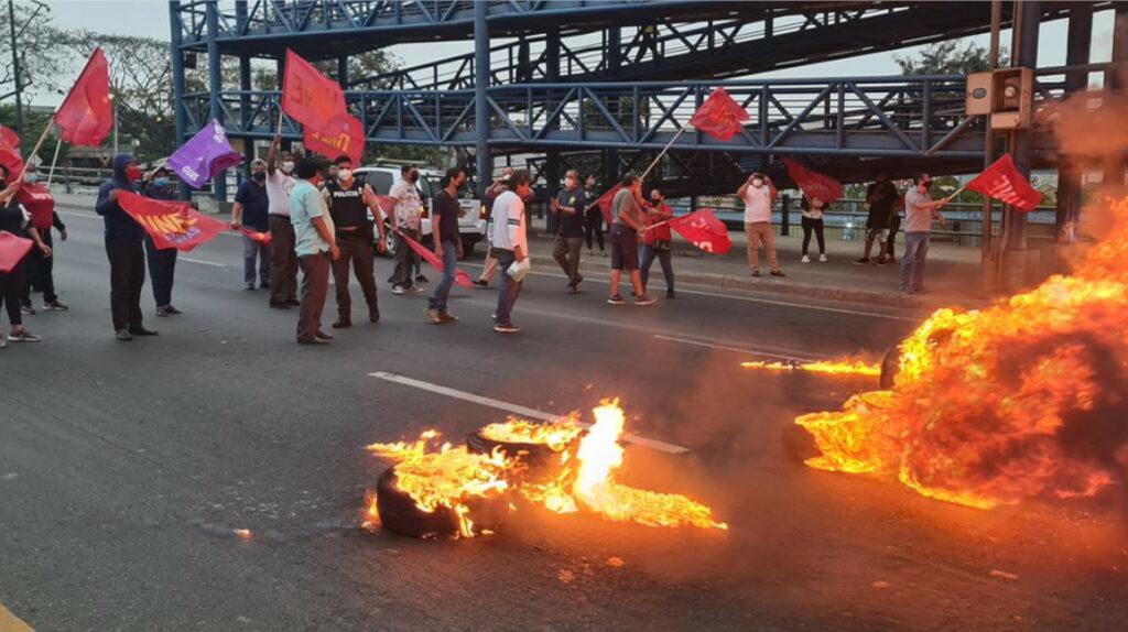 Marchas y protestas bloquean varias calles de Guayaquil