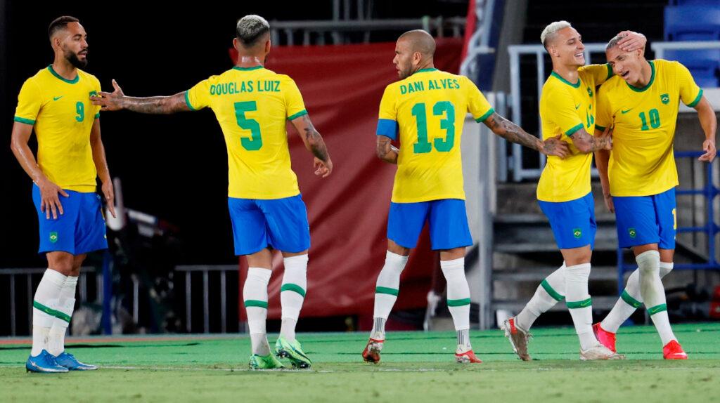 Brasil golea y Argentina pierde en su debut de los Juegos Olímpicos