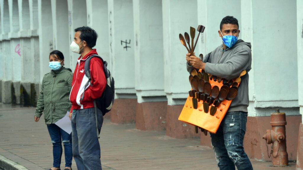 El 32,2% de ecuatorianos vive con menos de USD 2,8 al día