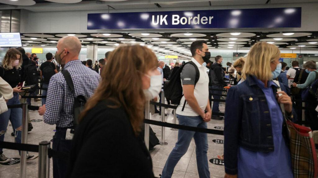 Reino Unido restringe entrada de personas que vienen de Ecuador
