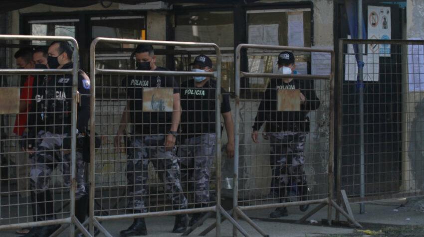 Imagen de los exteriores de la Penitenciaría del Litoral, el 22 de julio de 2021, luego del motín registrado el día anterior.