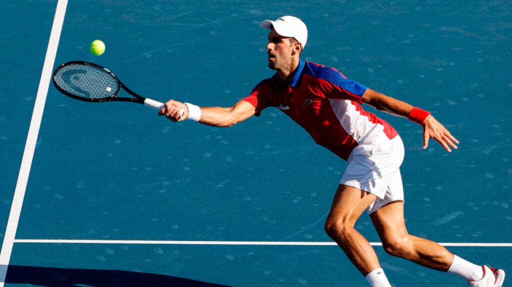 Novak Djokovic vence sin apuros a Hugo Dellien en su debut en Tokio