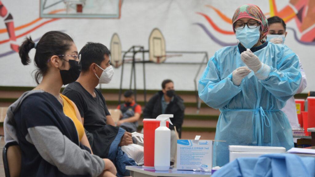 Gobierno acelera el ritmo para alcanzar la meta de 9 millones de vacunados
