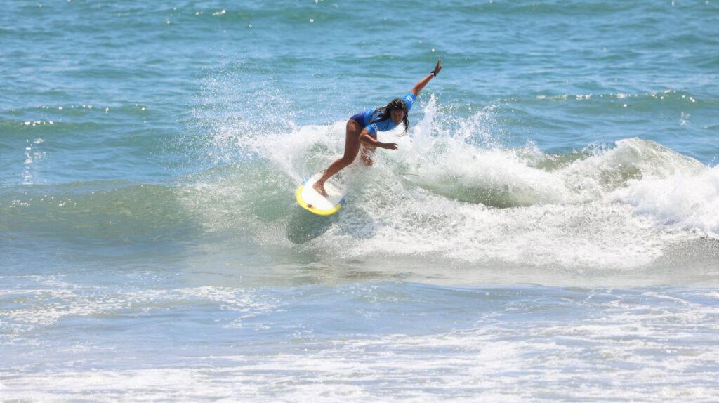 Dominic Barona no supera el repechaje de surf en Tokio