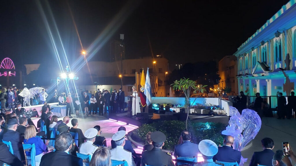 """Alcaldesa Viteri dijo que una """"mala política"""" atacó a Guayaquil"""