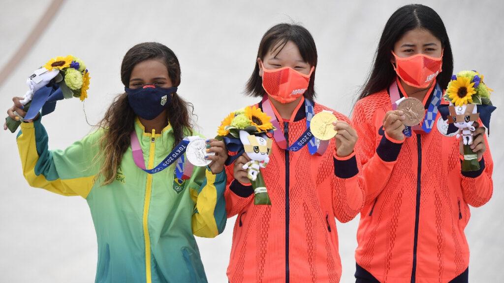 El skateboarding femenino deja el podio más joven en la historia olímpica